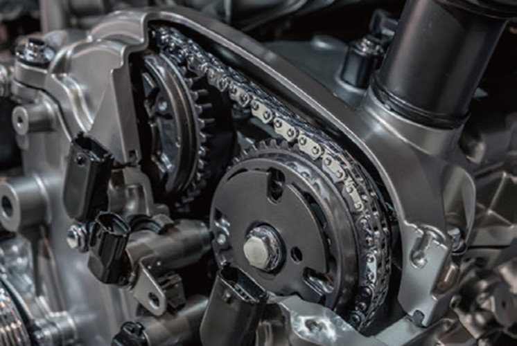 Automotive engine with timing chain